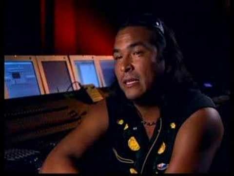 Eric Schweig Biography Celebri Eric schweig (born ray dean thrasher on 19 june 1967) is a canadian actor best known for his role as chingachgook's son uncas in the last of the mohicans (1992). eric schweig biography celebri